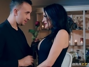 Alektra Blue planned a surprise for her husband on wedding anniversary. She...