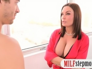 Abby Cross and Diamond Foxxx nasty 3some with hard dick