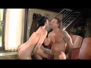 Tattooed Amber Lynn moans lovely when her pussy is licked