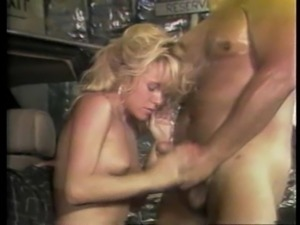 Amber Lynn hairy pussy worked on doggystyle in the car