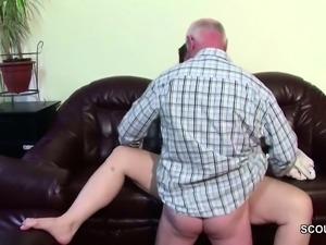 Opa uberredet seine Stief-Enkelin und fickt sie durch