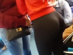 Sexy ass in gym leggings