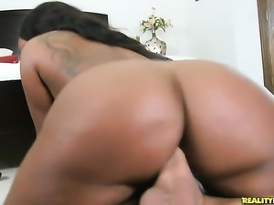 Tattooed Jayden Starr with round booty and smooth bush cant live a day...