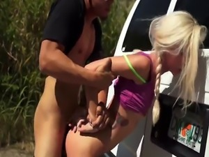 Anal fisting domination Halle Von is in town on vacation with her boyp