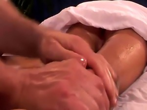Lovely cheerleader gets massaged and screwed