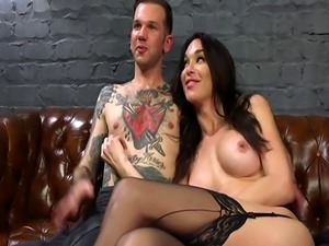Shemale widow in lingerie anal fucks guy