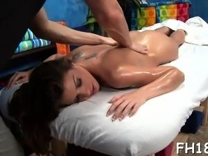 Attractive babe lengthy cockriding