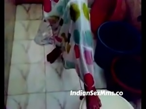 Indian desi college lovers having sex in bathroom (new)