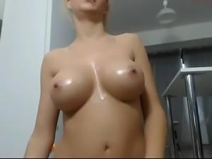 Nice tits wet girl free live porn cam show - camtocambabe.com