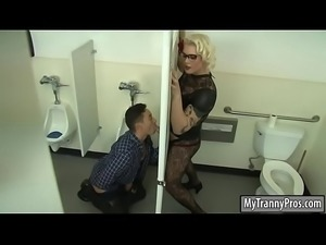 Blonde TS Isabella banged thru gloryhole