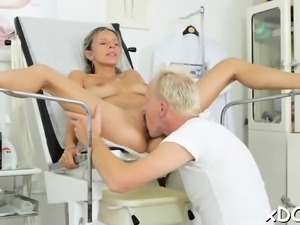 Wicked patient is getting drilled hard by her doctor