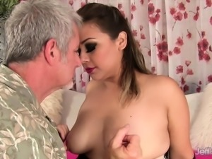 Plumper gets her pussy rubbed good and fingered The guy