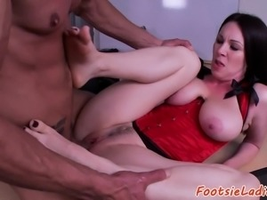 Foot loving secretary gets fucked after oral